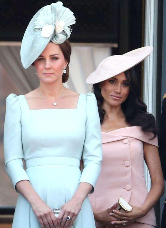 герцогини в шляпках