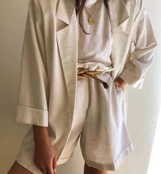 Легкий льняной костюм с шортами