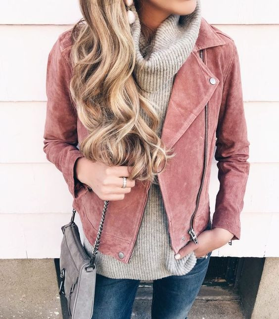 Розовая замшевая куртка на весну