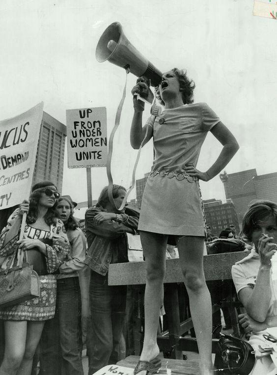 демонстрации женщин