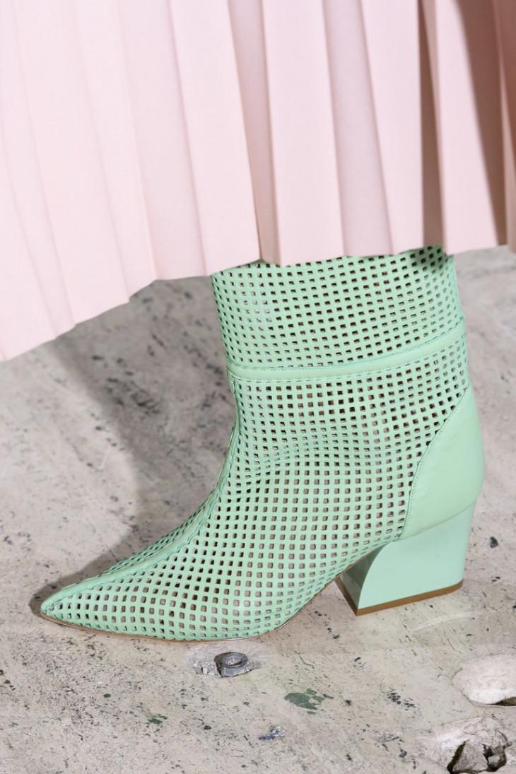 Сетчатая обувь