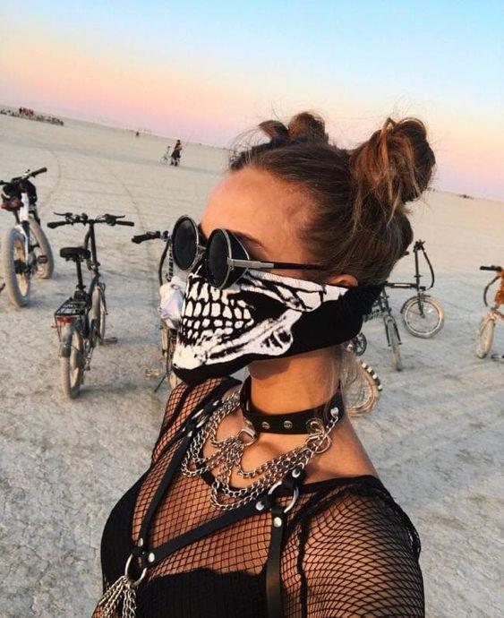 Солнцезащитные очки с фестиваля Бернинг мен
