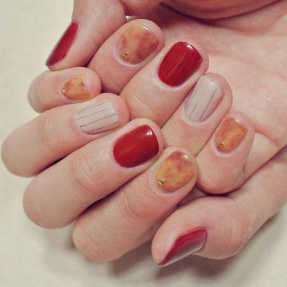 Эффект янтаря на ногтях