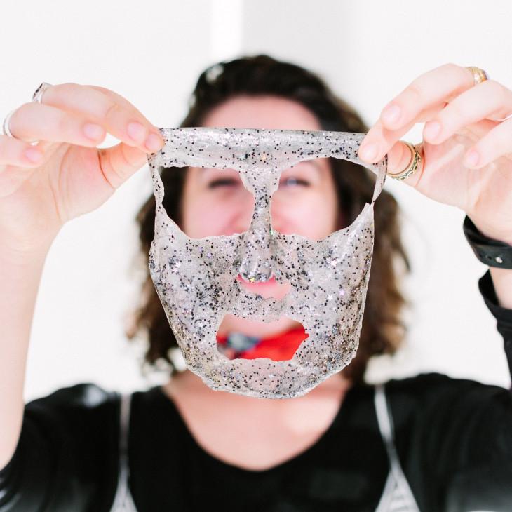 Глиттерная маска для лица