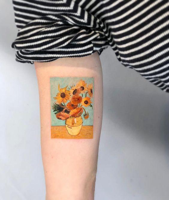 Татуировка с полотном Ван Гога