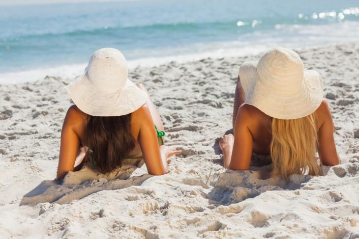 Девушки с разным уровнем кератина в волосах
