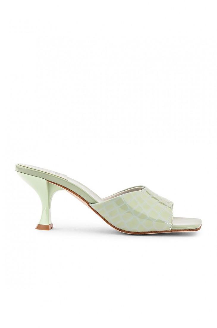Глянцевая обувь