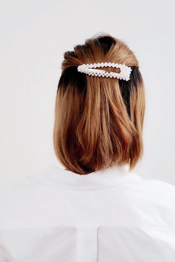 Заколка с жемчугом для волос