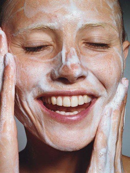 Тщательное очищение - один из секретов молодости и красоты