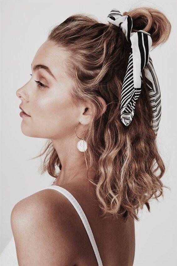 Пучок с платком для волос