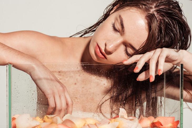 девушка с красивой кожей ультразвуковая чистка