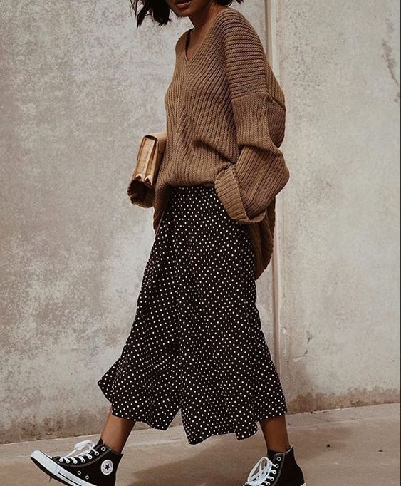 кеды юбка и свитер