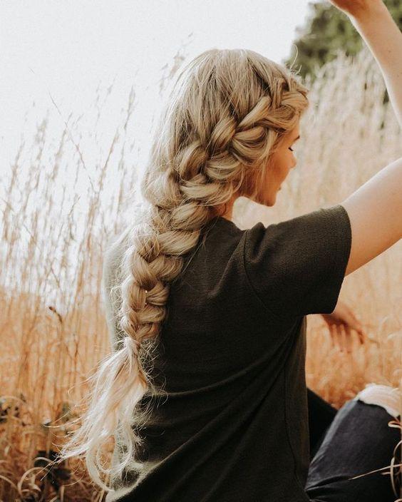 Французская коса на выпускной на длинные волосы