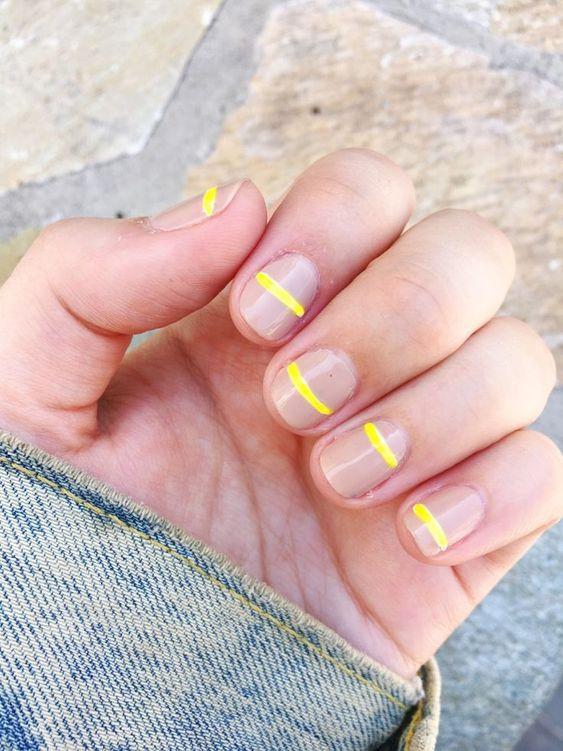 желтые полоски на ногтях