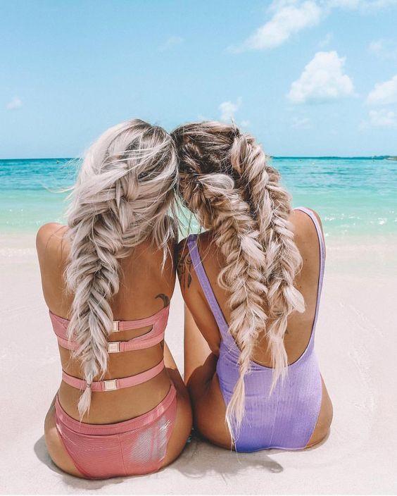 Девушки с косичками