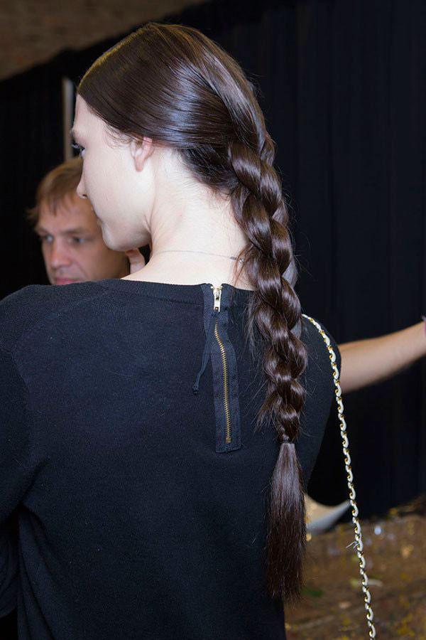 Косичка на длинные волосы