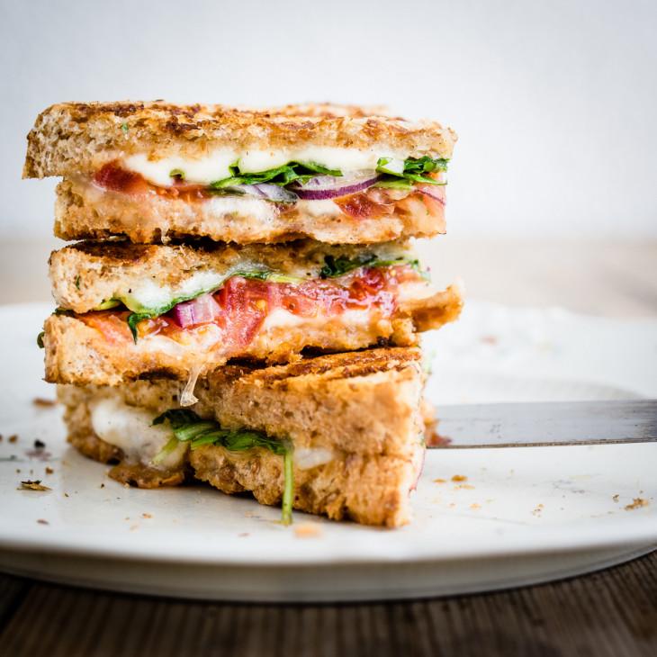 Панини-сэндвич