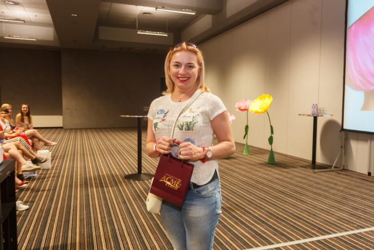 Победительница с подарком от ACME color