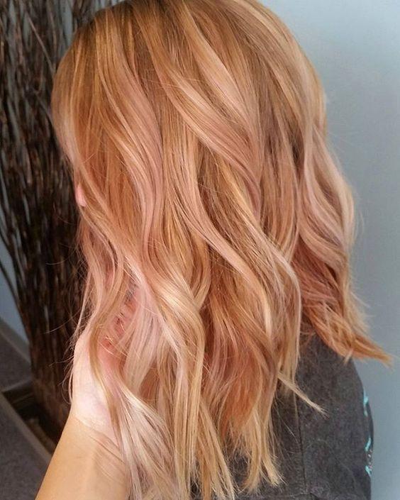клубничный блонд на средние волосы