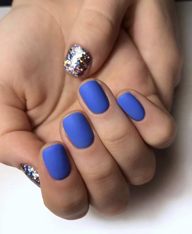 Маникюр синий и серебро