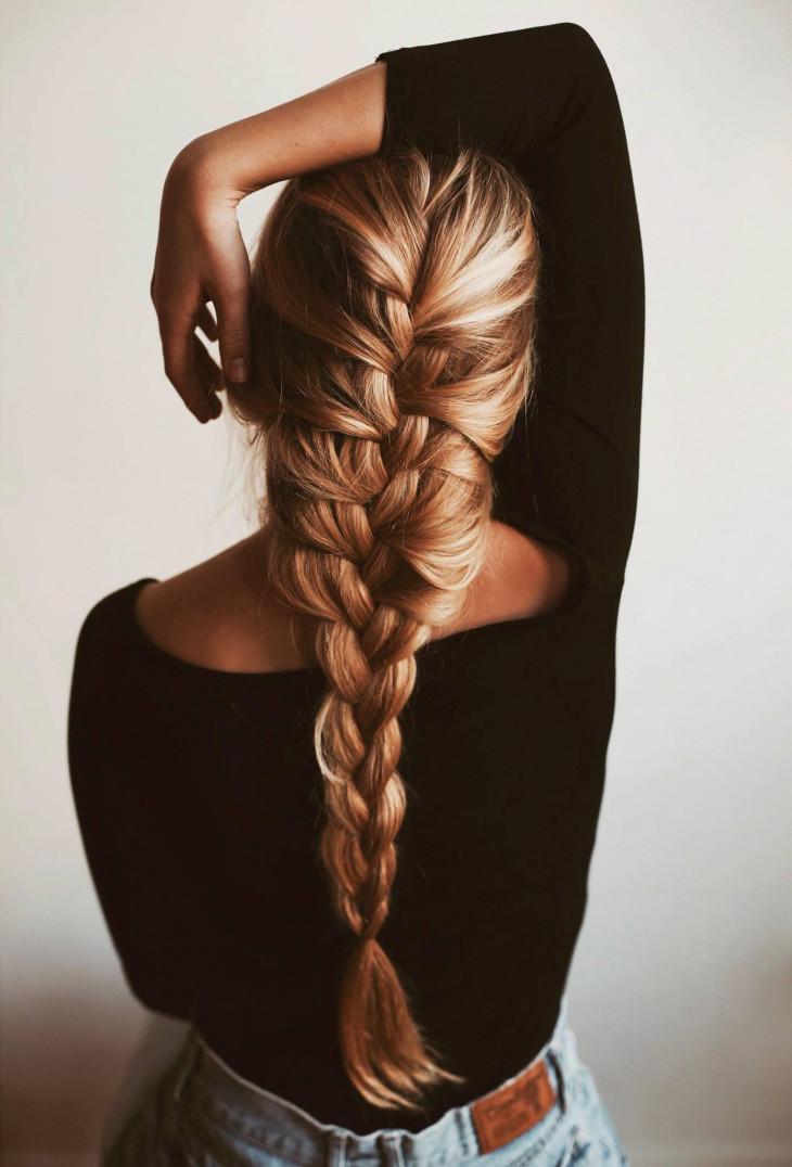 Широкая коса из четырех прядей
