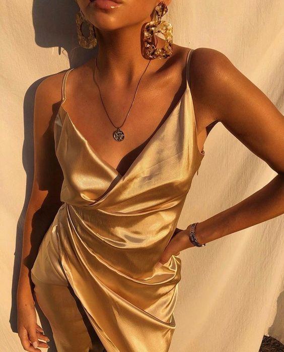 красивое платье из шелка