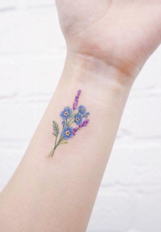 красивая цветная татуировка