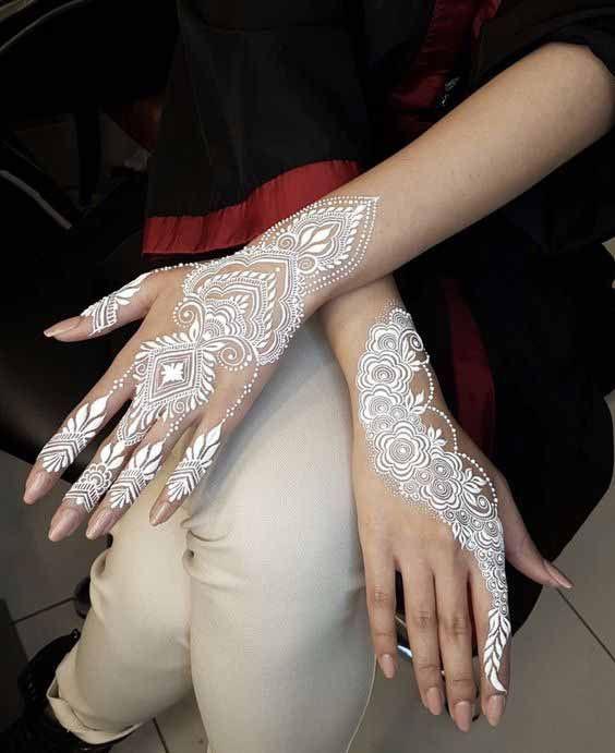 татуировка белой хной на руках