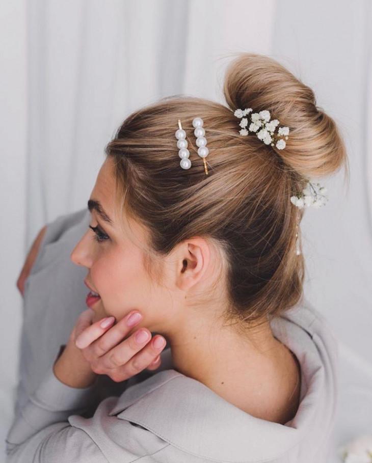 Прическа с заколками для волос