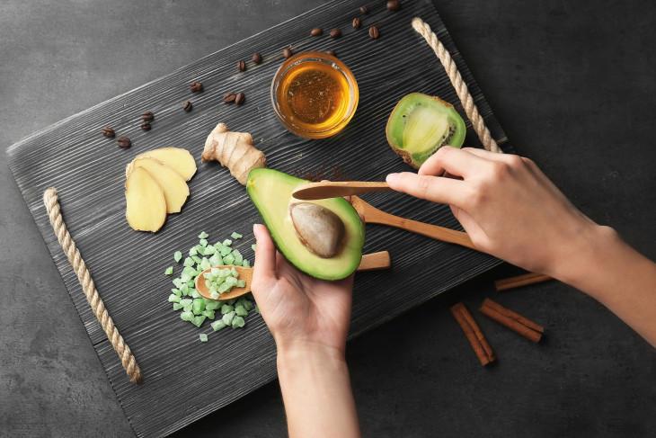 Киви и авокадо