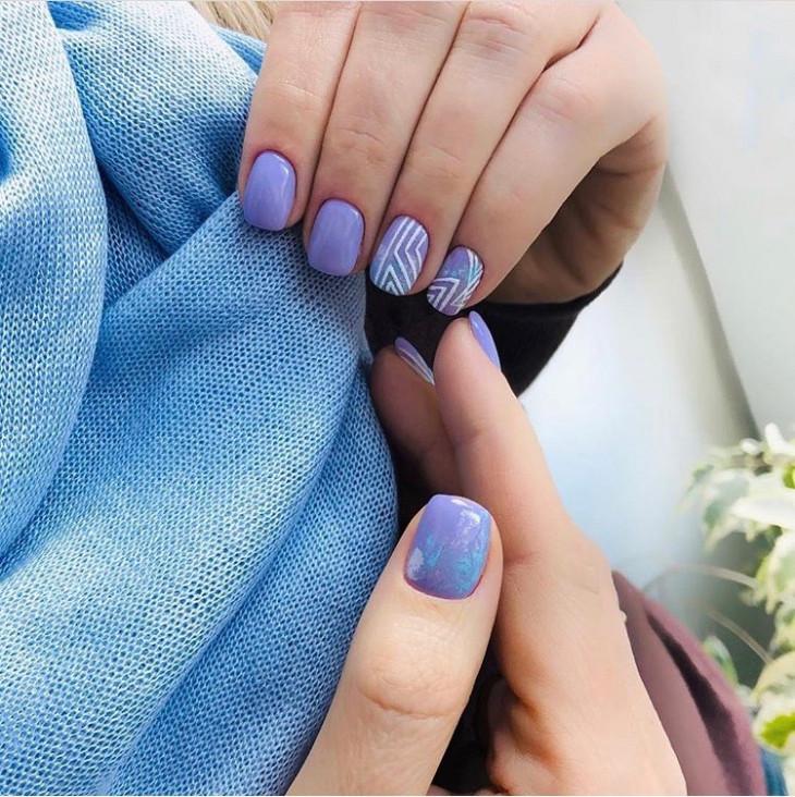 Нежно-фиолетовый маникюр