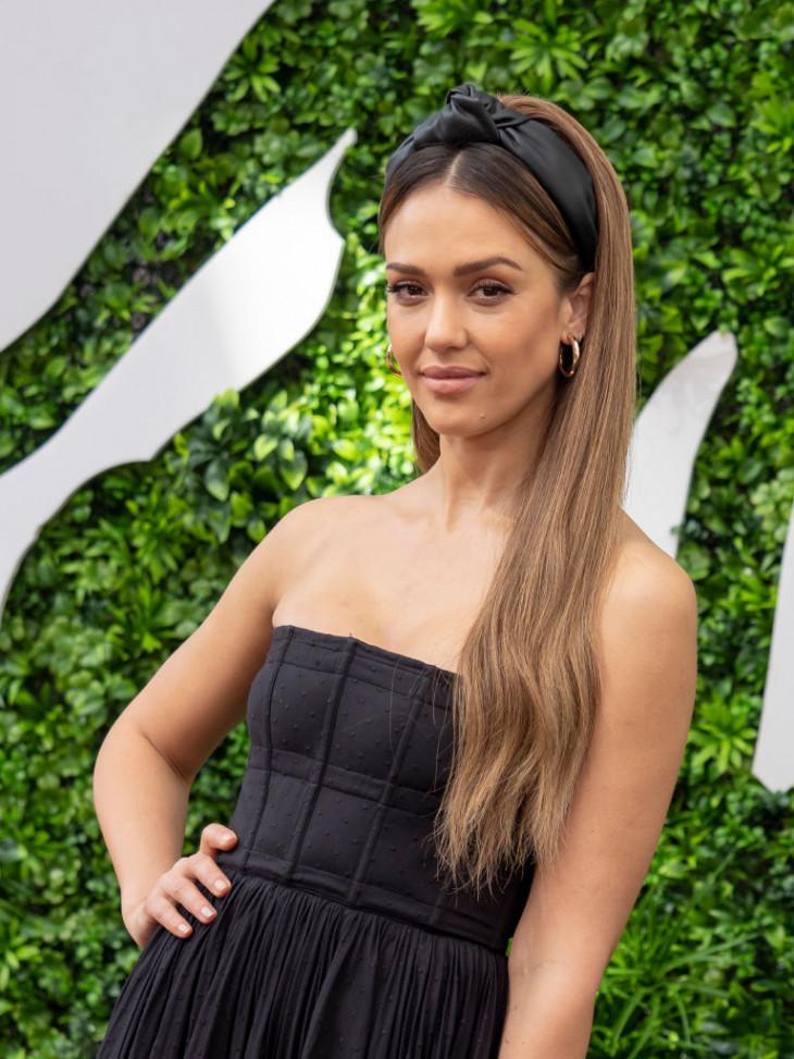 Джессика Альба 2019
