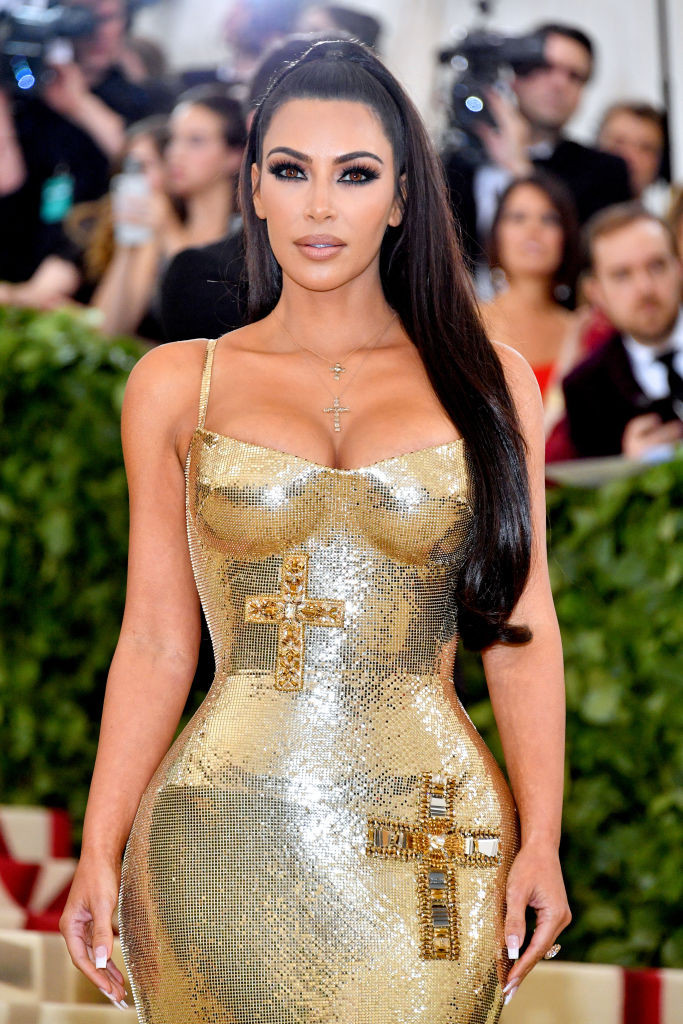 Ким Кардашьян высокий хвост