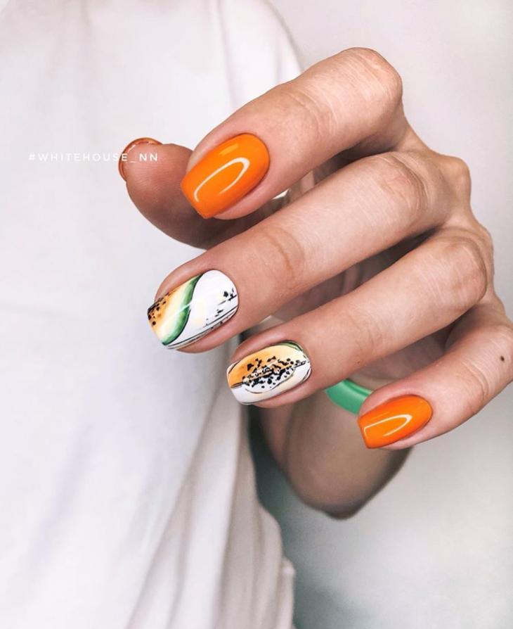 Оранжевый маникюр с рисунком