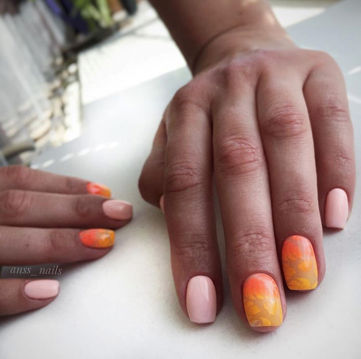 Осенний маникюр оранжевого цвета