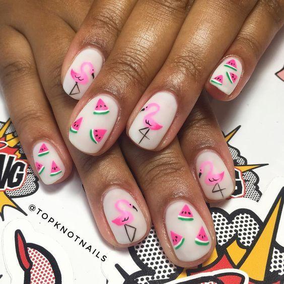 красивый маникюр с фламинго