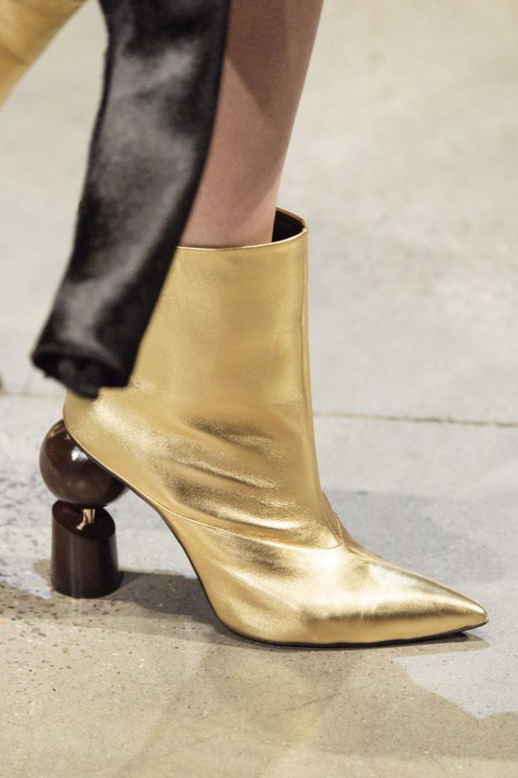 Обувь с оригинальным каблуком