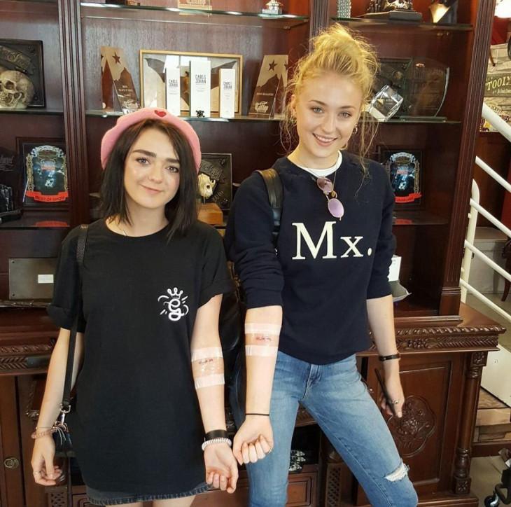 Мэйси Уильямс и Софи Тернер