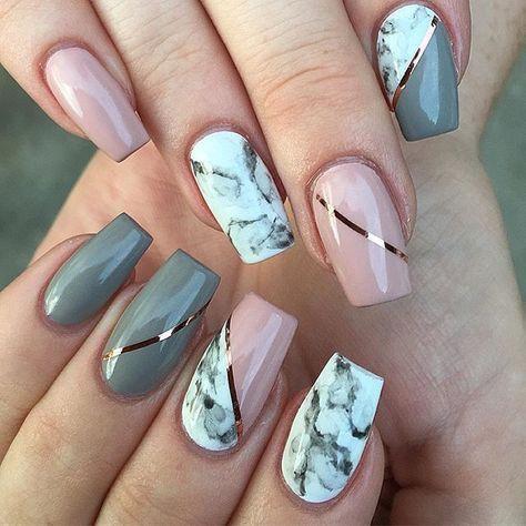розово серый маникюр