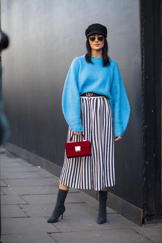 Стильный образ с юбкой миди на осень