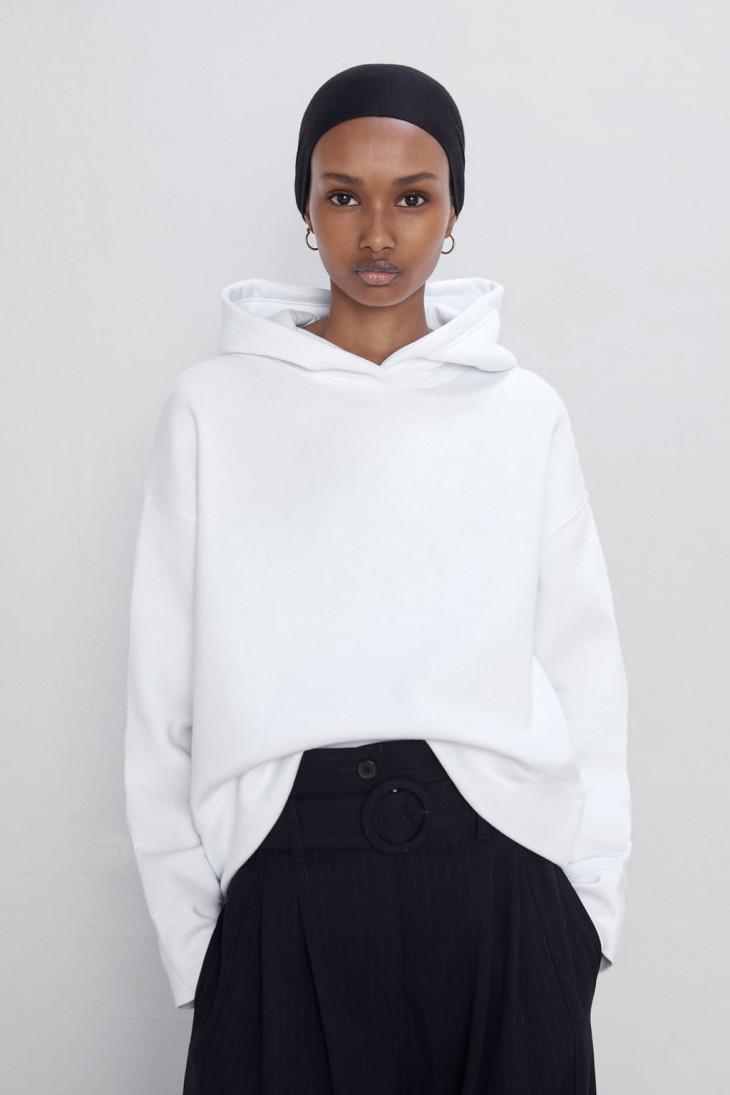 Белая толстовка с капюшоном Zara