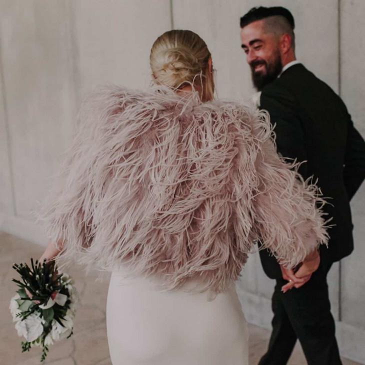 Меховые женские куртки на зиму