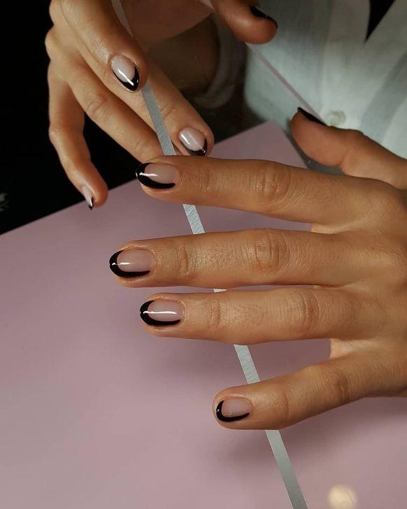 Красивый френч на короткие ногти